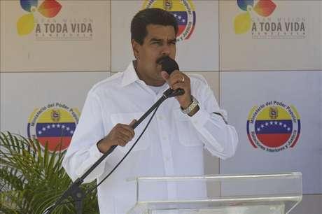 Maduro repudia imitación de voz de Chávez que le hace decir está secuestrado
