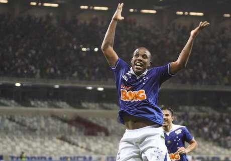 <p>Cruzeiro de Borges está cada vez mais perto do título do Brasileiro</p>
