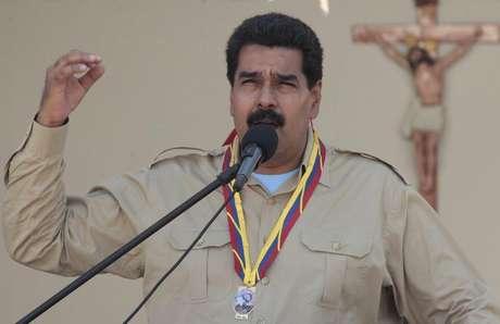 Presidente da Venezuela, Nicolás Maduro, discursa durante evento em Coro, no Estado de Falcón, Venezuela, nesta foto distribuída pelo Palácio Miraflores. 30/09/2013.
