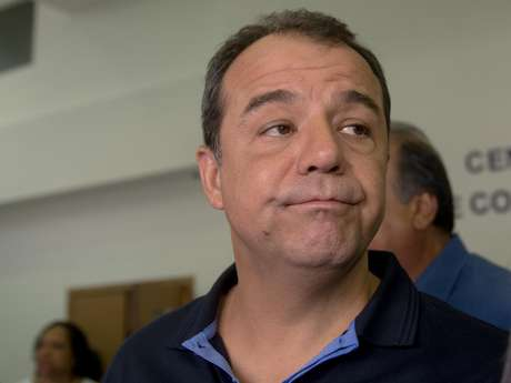 <p>Cabral pretende ocupar cargo de senador</p>