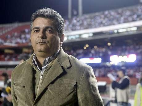 <p>Ney Franco ainda é o principal alvo do Santos para 2014; além dele, clube trabalha com Oswaldo de Oliveira e Enderson Moreira</p>