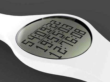 """Além da contagem regressiva para a morte com """"precisão"""" de segundos, relógio mostra a hora local"""