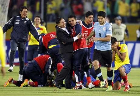 <p>Equador comemorou muito vitória ao fim de jogo, que deixa a seleção muito próximade ir à Copa</p>