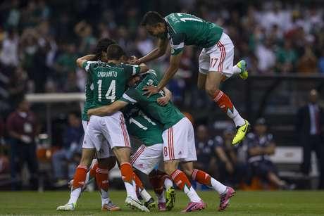 <p>México ficou em situação mais confortável para brigar ao menos pela repescagem</p>