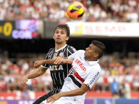 <p>Para zagueiro,TV é ''extremamente capacitada''para discutir problemas do futebol brasileiro</p>