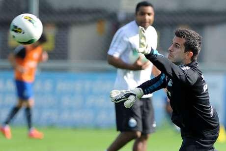 <p>Grohe retornará à reserva do Grêmio com a volta de Dida</p>
