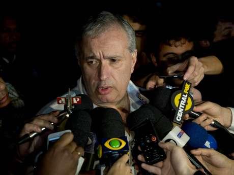 <p>Diretor de futebol, Roberto de Andrade admite que Tite pode seguir em 2014</p>