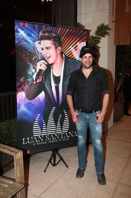 Luan Santana apresentou nessa quinta-feira (17) o DVD O Nosso Tempo é Hoje, no cinema do Shopping Cidade Jardim, em São Paulo. O cantor estava acompanhado dos pais e da irmã Bruna. Na foto, Sorocaba