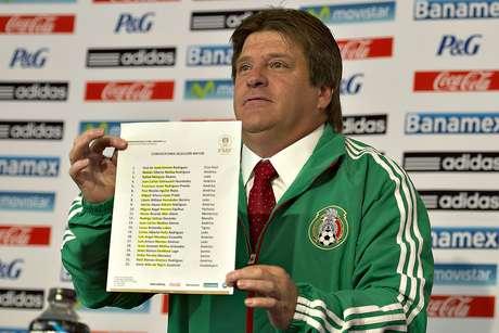El 'Piojo' convocó a 22 futbolistas.