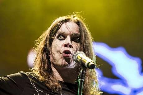<p>Ozzy Osbourne sudó y saltó el concierto de principio a fin.</p>