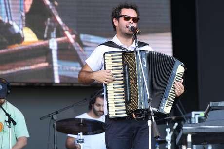 <p>Marcelo Jeneci recentemente lançou o álbum 'De Graça'</p>