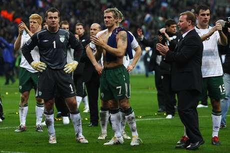 <p>Em 2009, França eliminou Irlanda na prorrogação, graças a gol irregular marcado após toque de mão de Thierry Henry</p>