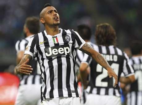 Vidal regresa a la titularidad tras el castigo.