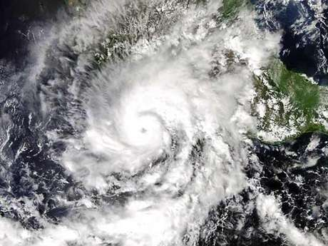 Según el titular de la Conagua, 'Raymond' ha avanzado entre 26 y 30 kilómetros hacia las costas mexicanas en las últimas 24 horas.