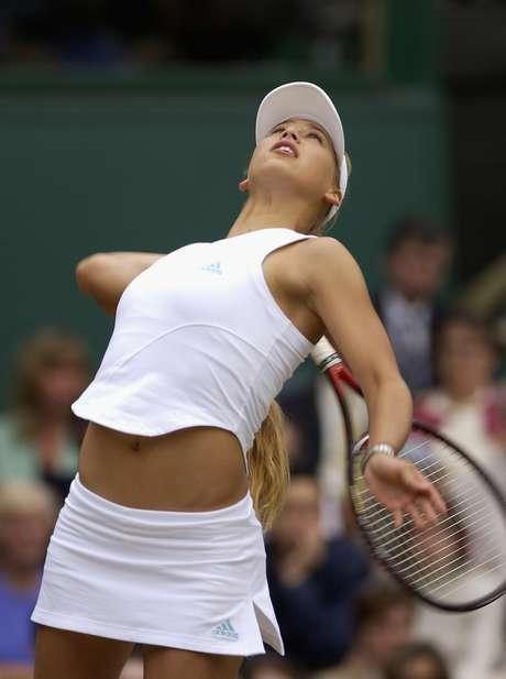 p Problemas nas costas abreviaram a carreira de Anna Kournikova  p  db90a843caf6b