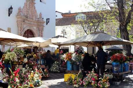 <p>A praça das Flores é um dos locais mais procurados pelos turistas</p>