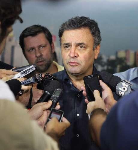 Aécio Neves elogiou fato de seu partido ter José Serra entre seus quadros