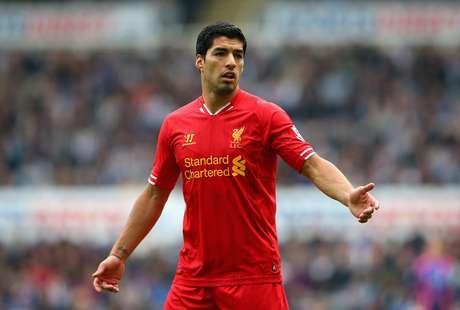 <p>Dono do Liverpool vai usar jato para contar com Su&aacute;rez</p>