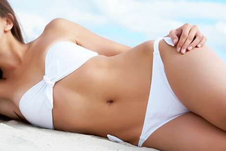 Após a depilação, a dica é fugir do sol, além da areia, do sal e até mesmo o cloro que podem provocar irritações