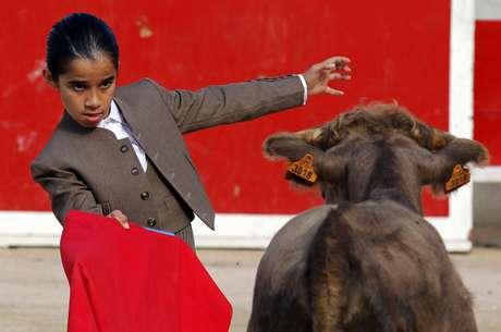 Escola ensina arte das touradas para crianças francesas; veja fotos