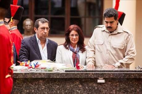"""Maduro oficializa el día de las elecciones como el """"de la lealtad a Chávez"""""""