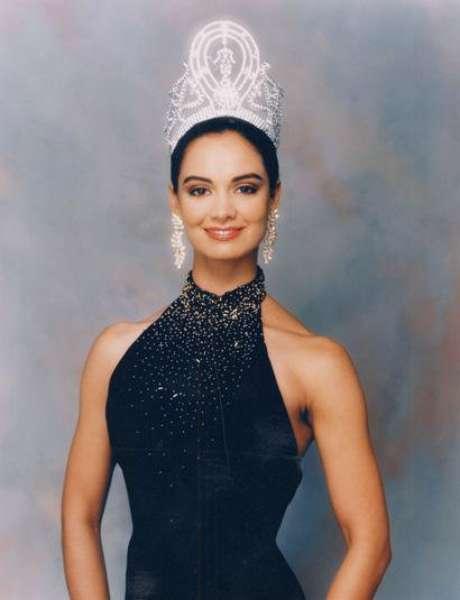 <p>La mexicana se impuso sobre sus contrincantes de Holanda, Estados Unidos, Jamaica, Unión Soviética y Venezuela, sorprendiendo al público y los jueces con su belleza y talento.</p>