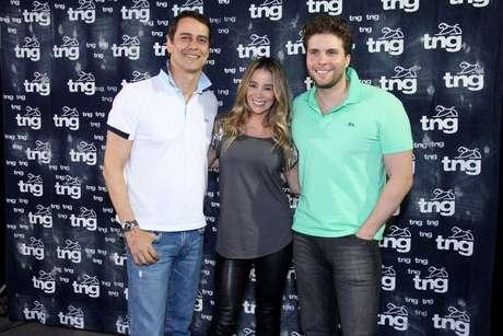<p>Os atores Marcello Antony, Danielle Winits e Thiago Fragoso, que formam um triângulo amoroso na novela 'Amor à Vida' chegaram ao Fashion Rio para o último desfile da noite, da TNG</p>