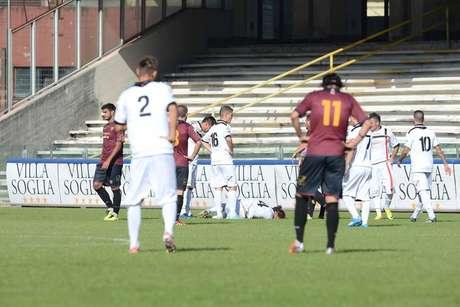Los jugadores del Nocerina fueron amenazados por la hinchada rival.