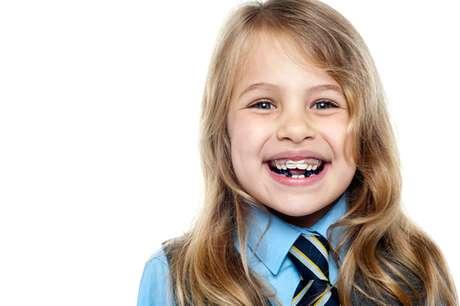Com a ortopedia facial, crianças com dente de leite já podem iniciar tratamento nos dentes