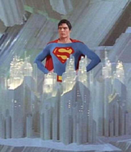 <p>Super-Homem usava cristais para armazenar dados sobre seus pais, sua história</p>