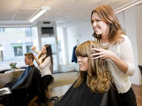 Relação com hair stylist é quase familiar e 53% das mulheres consideram o profissional como uma das 10 pessoas mais importantes da vida