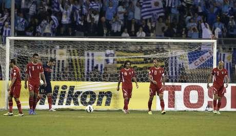 <p>Jord&acirc;nia foi humilhada em casa pelos uruguaios na ida da repescagem</p>