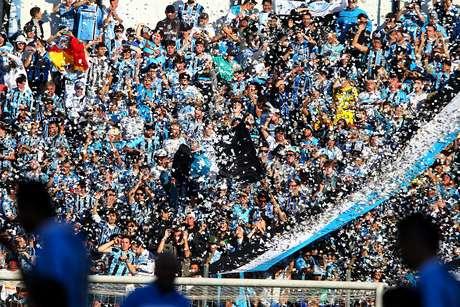 Torcida do Grêmio vem apoiando Zé Roberto