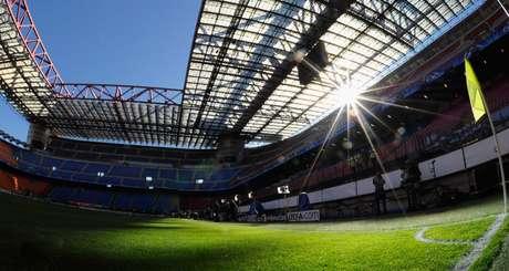 San Siro receberia final europeia, de acordo com Federação Italiana