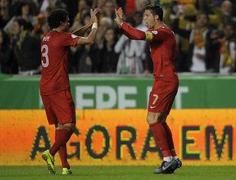 <p>Portugal venció en el duelo de ida, con solitario tanto de CR7</p>