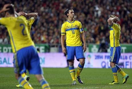 <p>Ibrahimovic lamentaderrota da Suécia em Lisboa</p>