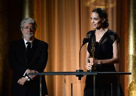 Oscar humanitario para  Angelina Jolie