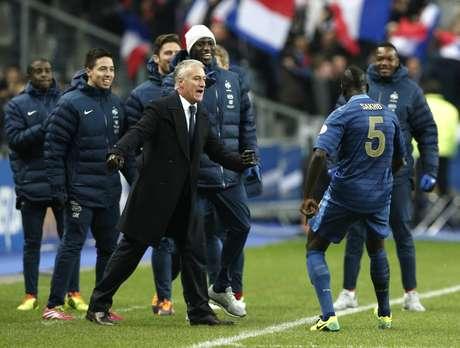 <p>Didier Deschamps e jogadores foram exaltados por publicações</p>