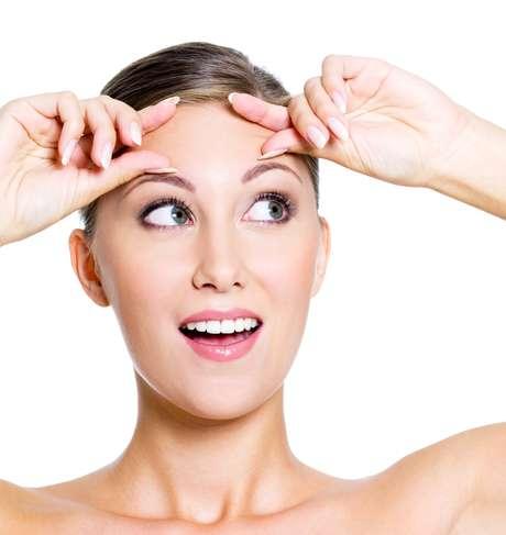 Técnica começa com a análise da dinâmica da musculatura do rosto, contemplando vícios musculares, como levantar as sobrancelhas, mastigar alimentos de forma errada ou passar longos períodos com a cabeça abaixada