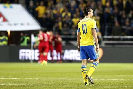 Ibrahimovic marcou dois gols, mas não conseguiu levar a Suécia à Copa do Mundo