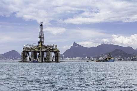 Petrobras pretende atingir meta de desinvestimentos de US$ 9,9 bilhões no período 2013-2017