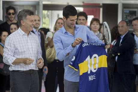 Sérvio ganhou uma camisa personalizada do Boca Juniors do prefeito de Buenos Aires, mas pediu uma do time do papa Francisco