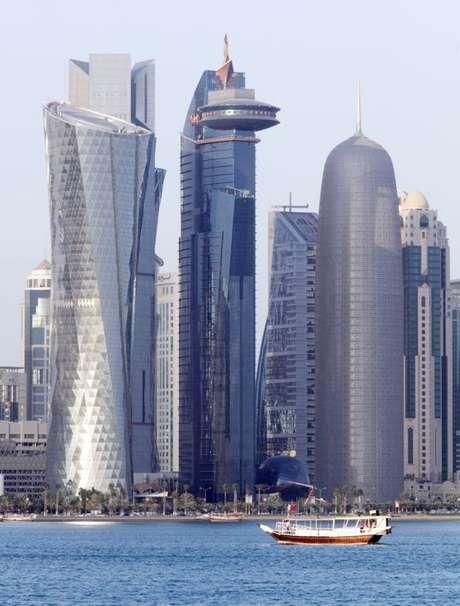 Na lista de 2012 do FMI, que usa o PIB per capita calculado pela Paridade de Poder de Compra, o Qatar aparece em primeiro lugar com 100.889 dólares internacionais. Contudo, o PIB per capita nominal - convertido pela taxa de câmbio - deixa o país na segunda posição, com US$ 104.756 (na foto, a capital Doha)