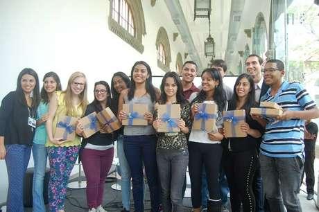<p>Os vencedores do Festival Educação, com o projeto Integra Escola</p>
