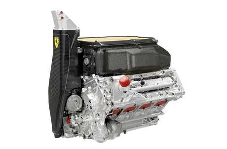 """<p>Motores V8 utilizados até 2013 (foto) serão substituídos por V6 com turbo; equipes vêm trabalhando desde 2012 para construir carros """"do zero"""" dentro das novas especificações</p>"""