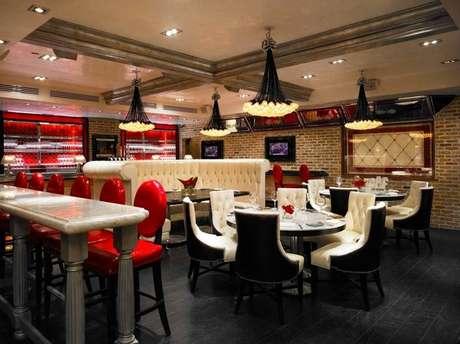 Elegante e luxuoso, o restaurante de Danny DeVito serve o melhor da cozinha italiana