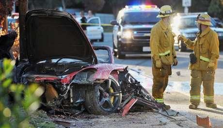 <p>El actor Paul Walker, famoso por su personaje protagónistaen la saga 'Fast & Furious' falleció la tarde del sábado 30 de noviembre a los 40 años en un trágico accidente de coche. El Porsche en el que se encontraba Paul Walker quedó totalmente quemado</p>
