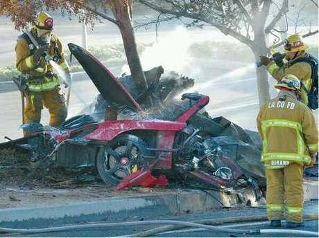 Paul Walker habría perdido el control de su vehículo e impactó en un árbol.