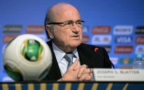 <p>Presidida por Blatter, Fifa distribuirá mais dinheiro no Brasil</p>
