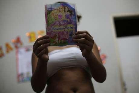 <p>Vanessa, 13 anos, foi apanhanda pelos policiais e levada a um abrigo em Fortaleza; capital cearense é epicentro do turismo sexual, uma das principais preocupações para a Copa do Mundo de 2014</p>